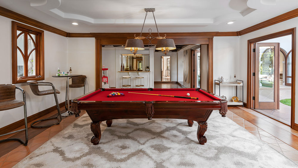 Beverly Hills Wallace Neff-designed mansion