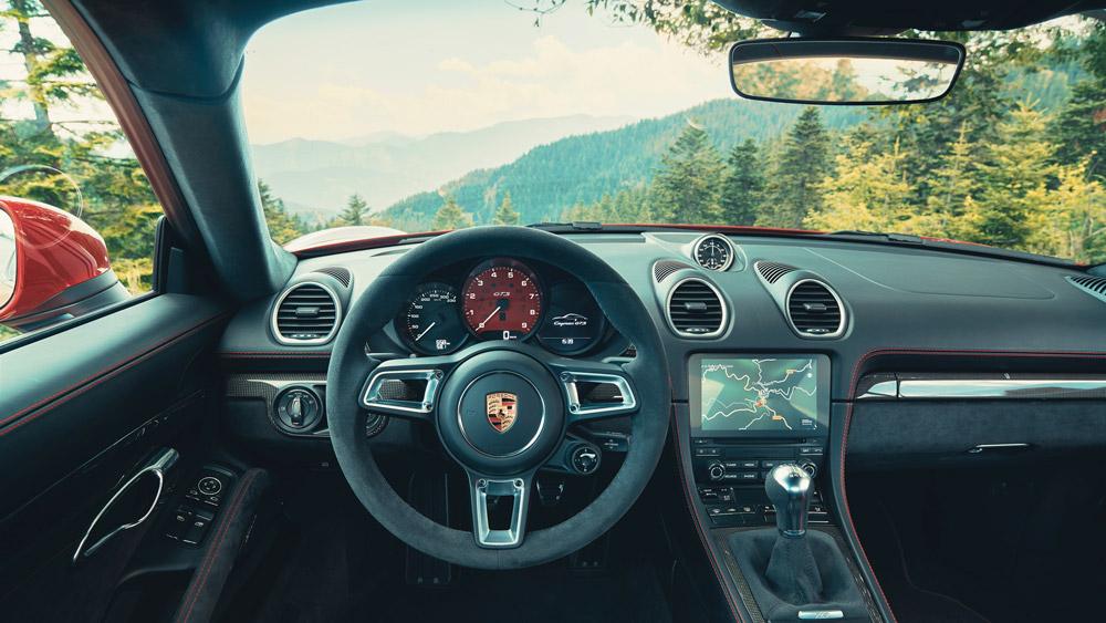 The interior of the Porsche 718 Cayman GTS 4.0.