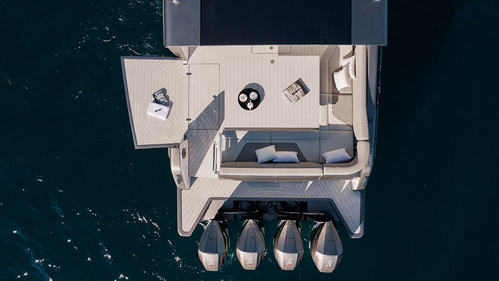 The Verve 47's port wing increases cockpit space, while offering easy access to the water.