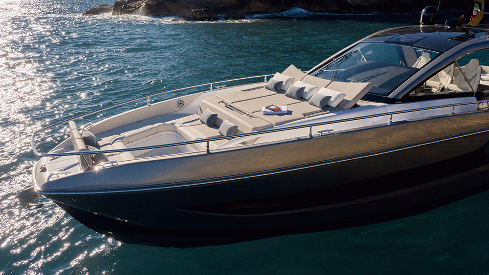 The Verve 47's asymmetrical design of the foredeck creates a large social area.