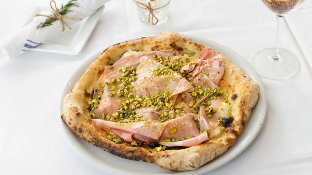 Pizzeria Virtú bologna pie