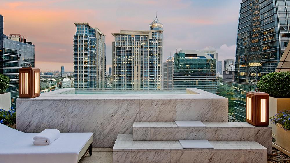 Rosewood Bangkok plunge pool suites