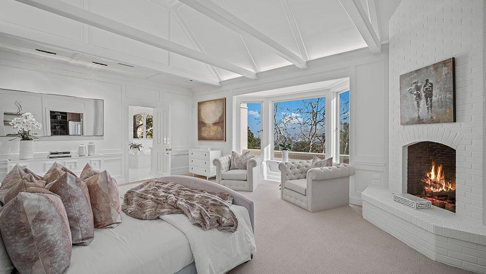 los angeles real estate danish farmhouse