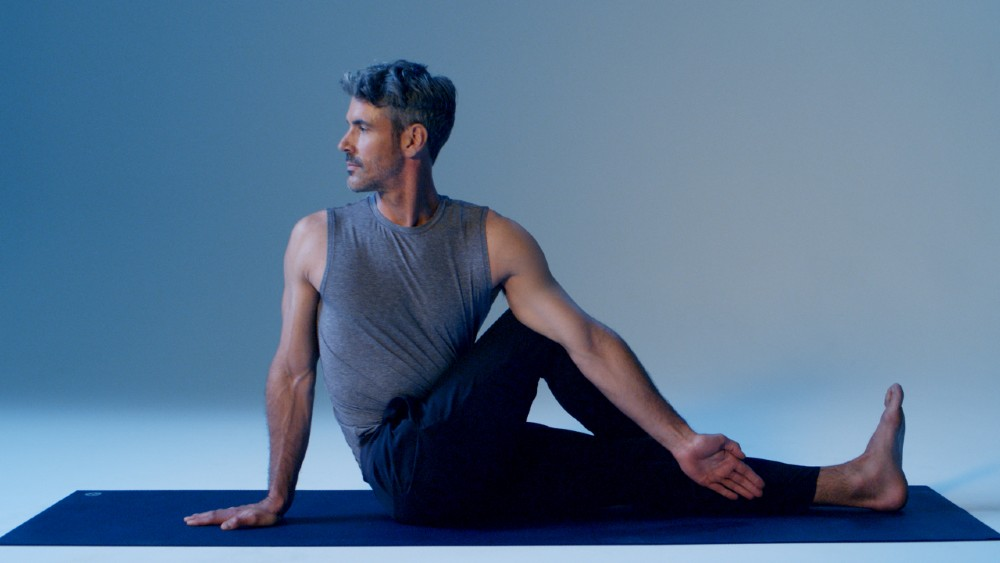 Led by Equinox pros, these guided sessions and tip guides will help you find balance in these uncertain times.