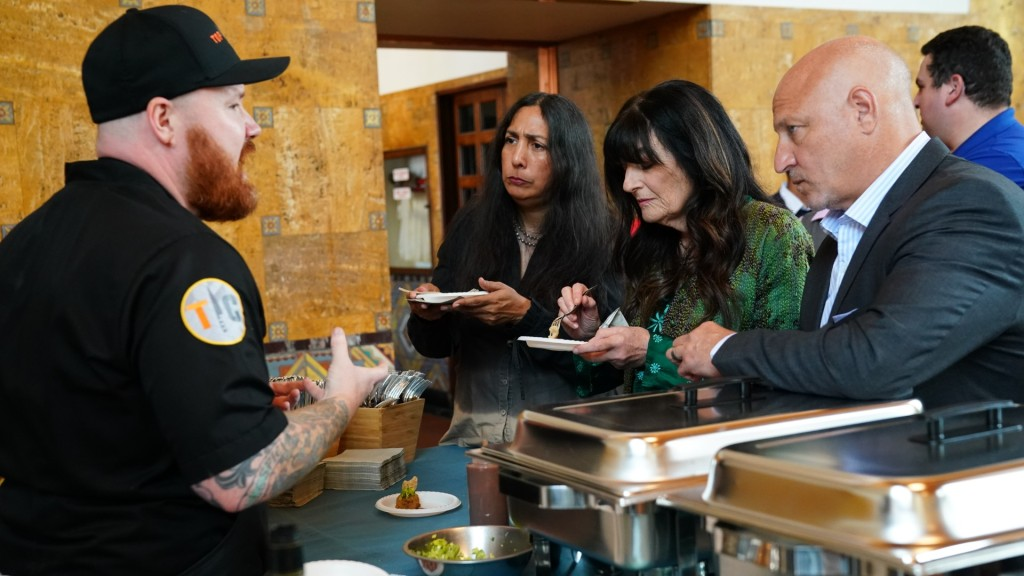 top chef kevin gillesipie gun show