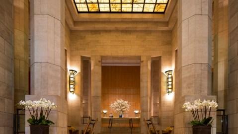 Four Seasons New York midtown lobby