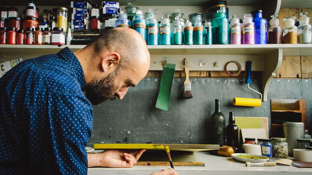 Felgueiras in his London workshop.