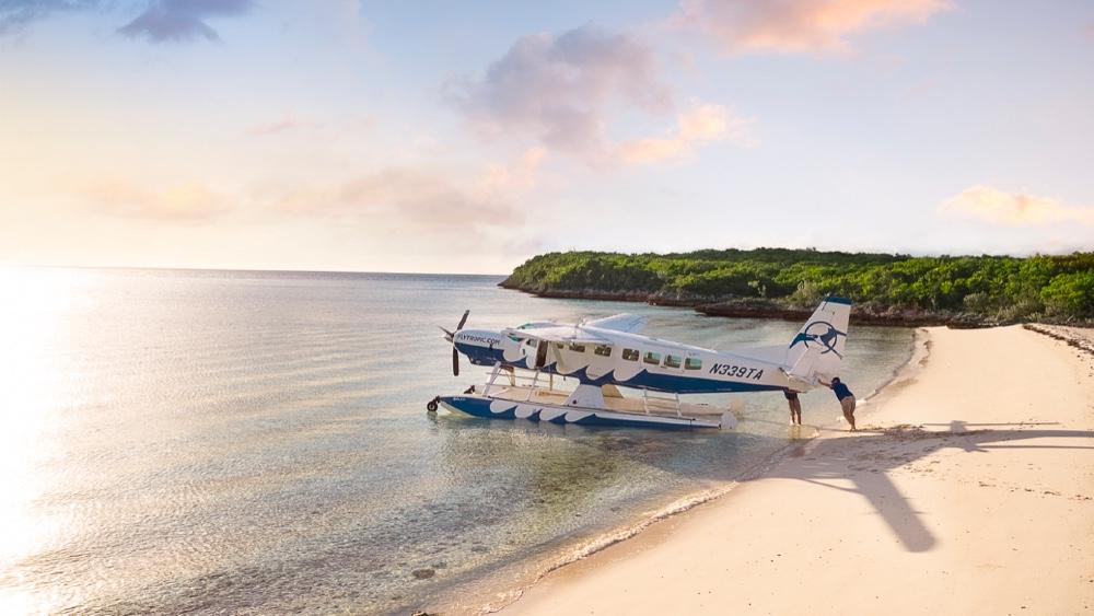 Seaplanes flying to Yachts in Coronavirus