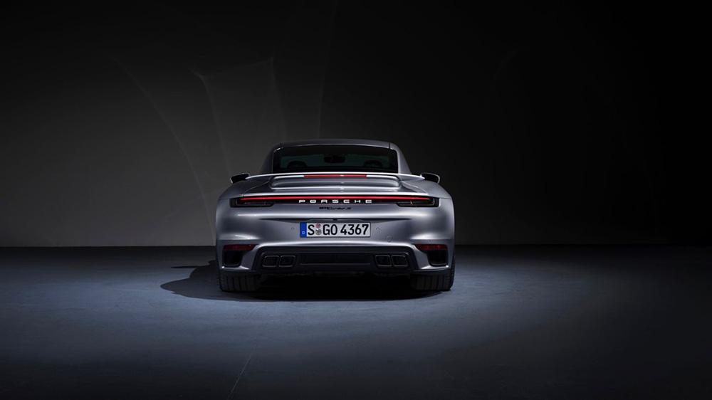 The 2021 Porsche 911 Turbo S coupé