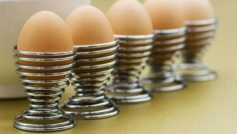 clack egg opener