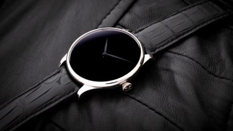 H. Moser & Cie Venturer Vantablack Black Hands