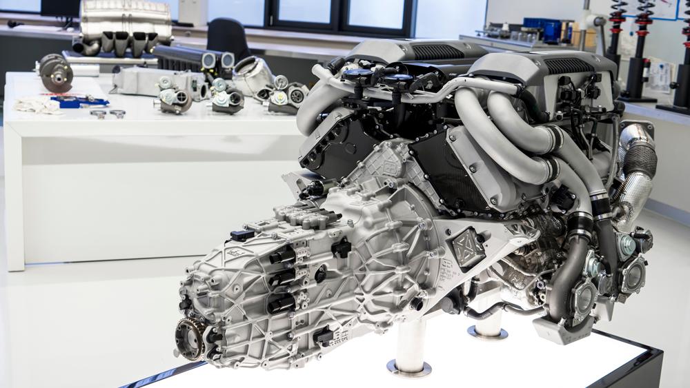 Bugatti Chiron W-16 Engine
