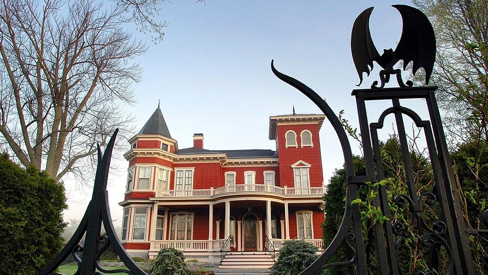 Stephen King's Maine Mansion