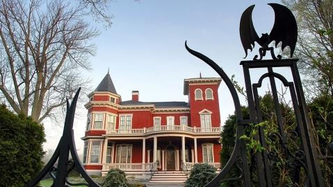 Stephen King's Maine Mansion