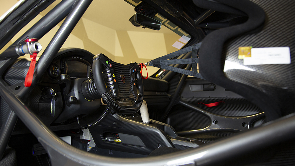 """2020 Porsche 935 """"Martini"""""""