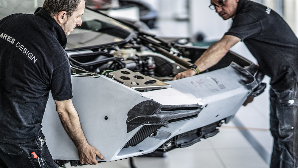 Craftsman working on the Panther ProgettoUno from Ares Design.