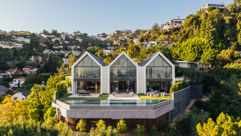 Hollywood Hills, California, Real Estate
