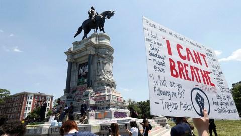 Confederate Gen. Robert E. Lee statue and Confederate monuments (Richmond, Virginia)