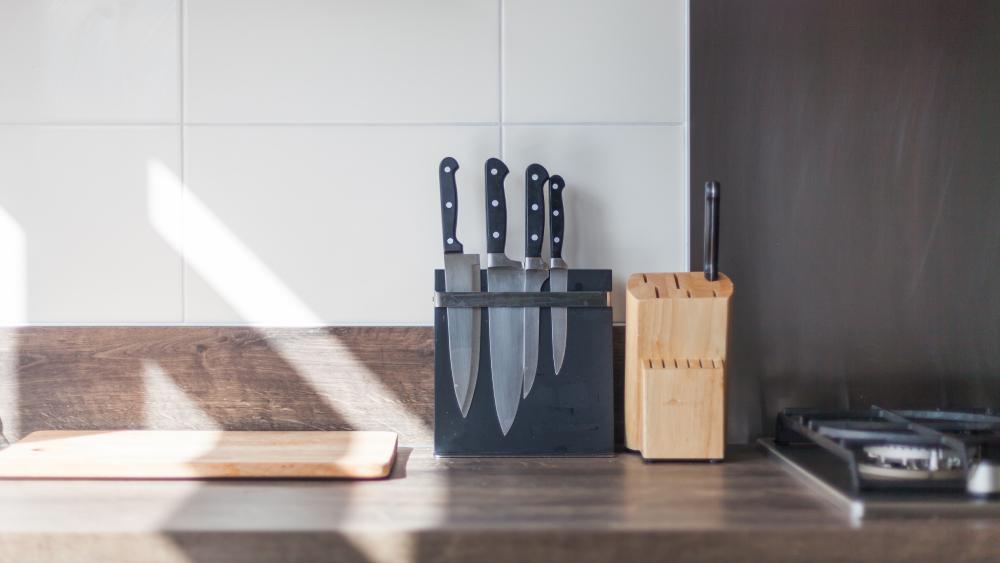 knife storage solution