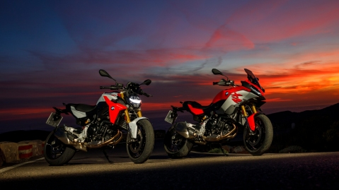 The 2020 BMW F 900 R and F900 XR.
