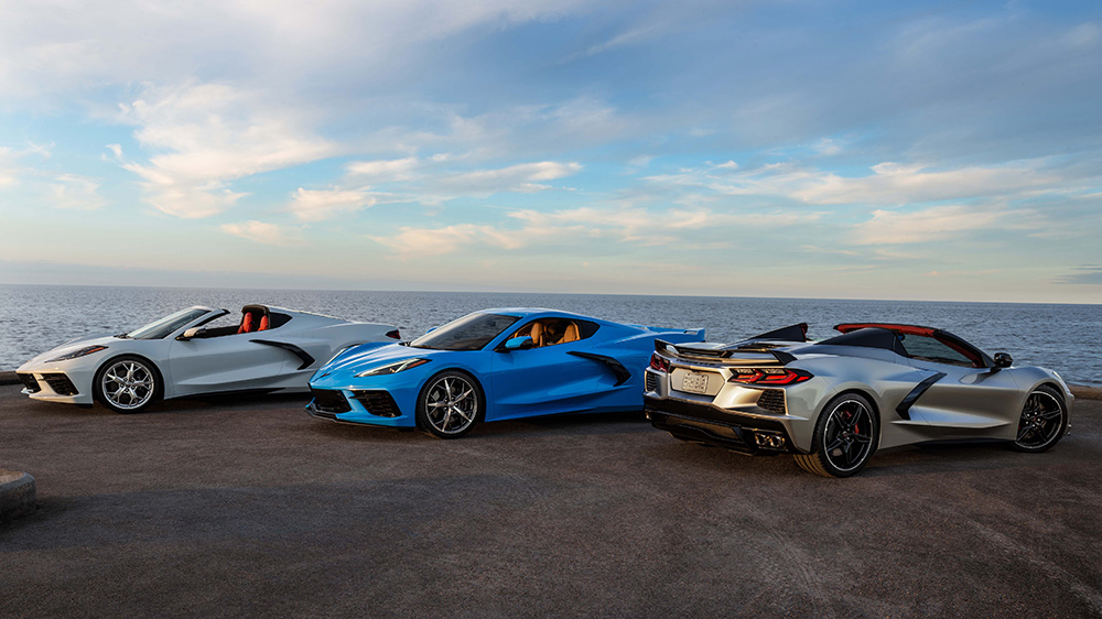 2021 Chevrolet Corvette Stingray coupé and convertible