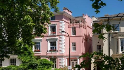 101 Dalmatians mansion