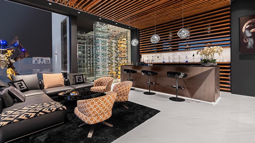 Dubai mega-mansion
