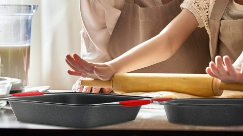 The Best Nonstick Bakeware Sets on Amazon
