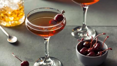 manhattan cocktail up cherry