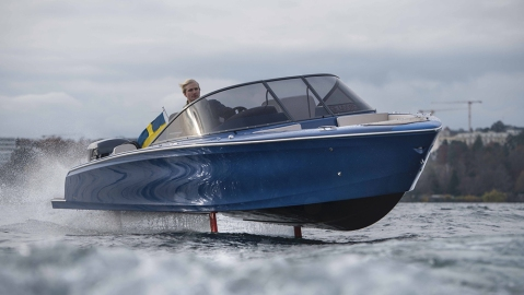 Candela electric hydrofoil powerboat