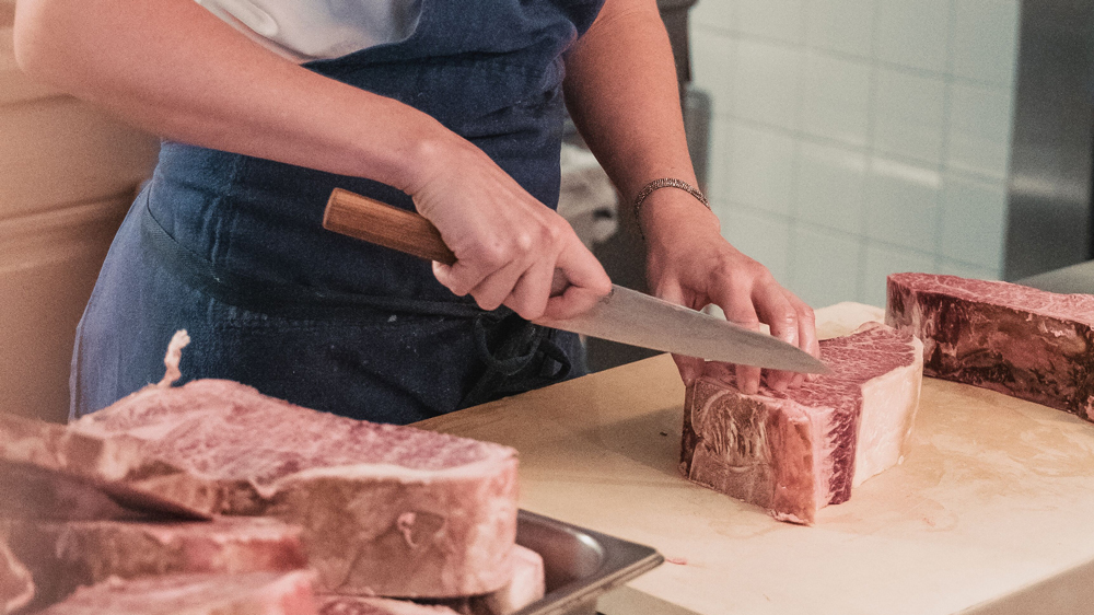 hilary henderson trimming steak