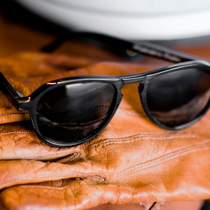 'The Californian' sunglasses in black