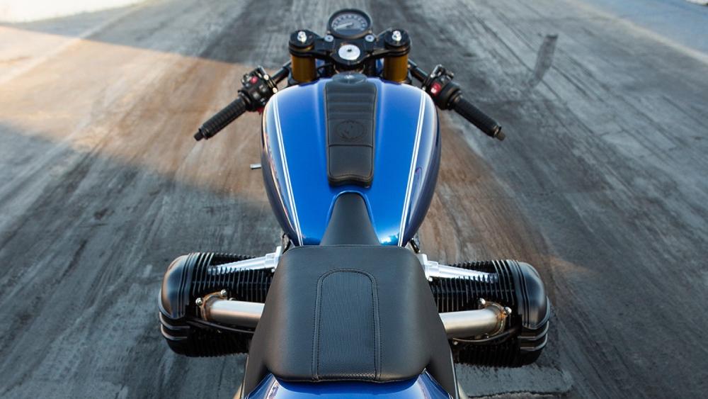 BMW Motorrad Roland Sands dragster R18