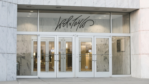 Lord and Taylor Corporations in Virginia
