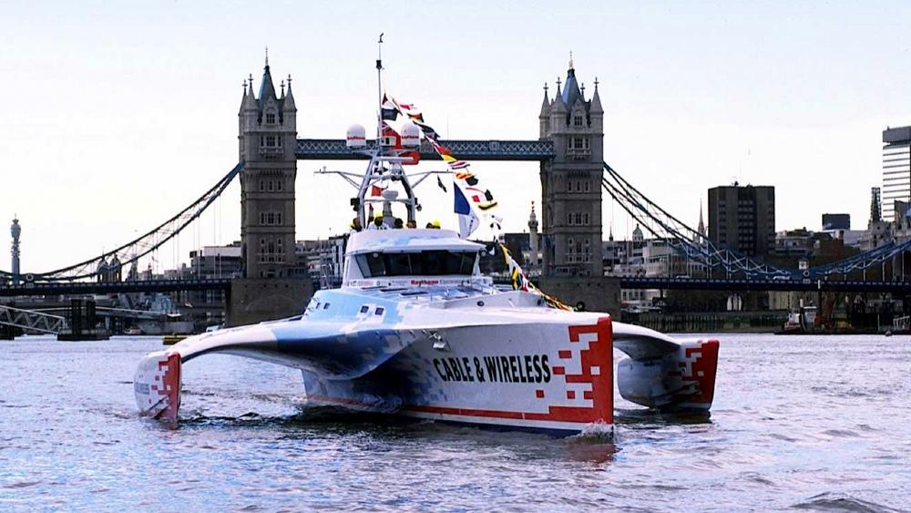 Découvrez le trimaran record qui a fait le tour du globe en 74 jours | Brigitte Bardot | Sea Shepherd