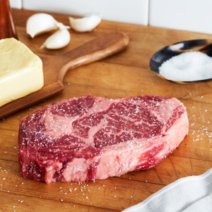 ribeye steak raw seasoned american wagyu