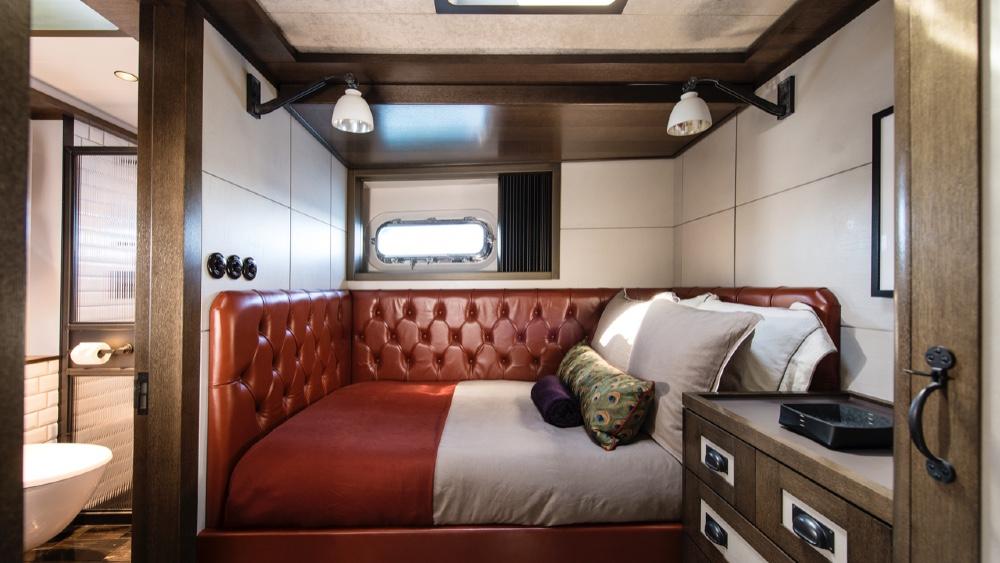 Cabine d'invité Pink Gin VI Sailing Superyacht par Baltic