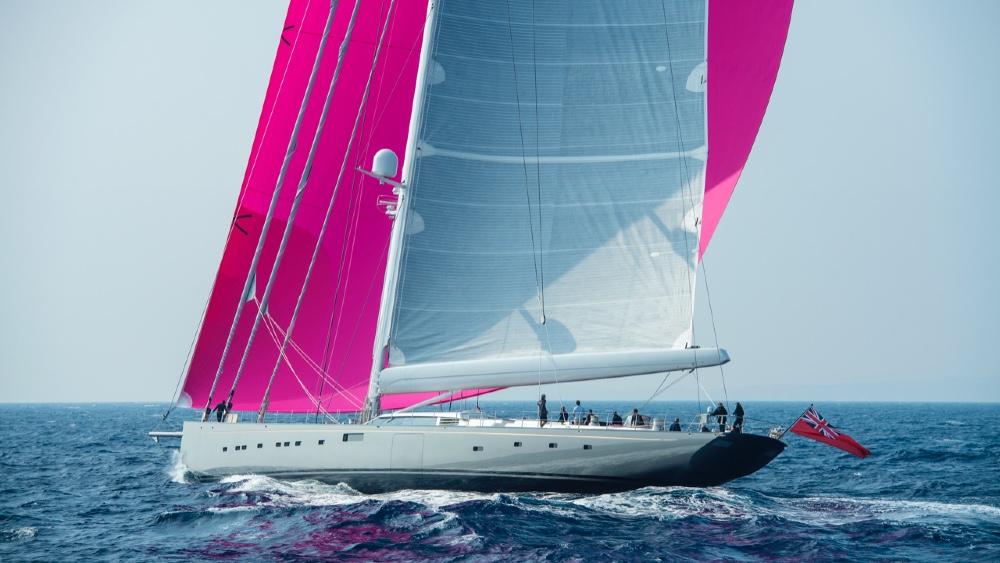 «Pink Gin VI», le plus grand sloop en fibre de carbone du monde, vous en coûtera 53 millions de dollars