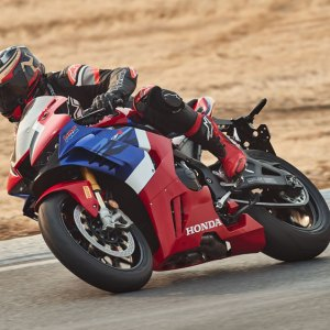 Riding the 2021 Honda CBR1000RR-R Fireblade SP on track.