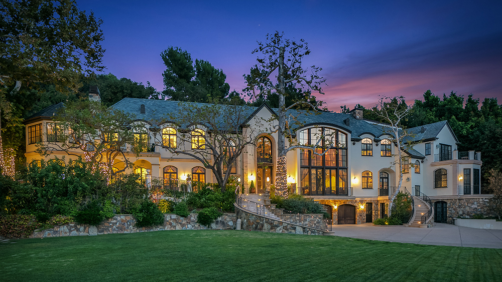 Gene Simmons 2650 Benedict Canyon Dr, Beverly Hills 2650 Benedict Canyon Dr, Beverly Hills