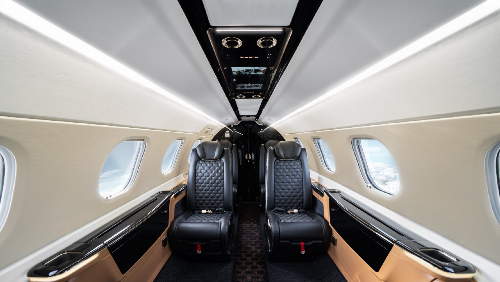 Embraer 300 Moved Panels to the Center of the Aircraft