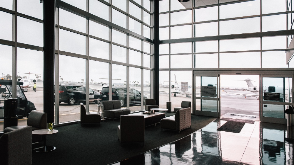 Private airports are much smaller and safer than large commercial airports