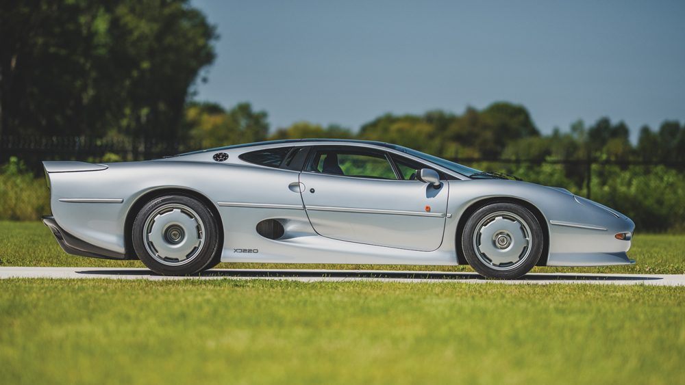 The 1993 Jaguar XJ220 that will be auctioned on October 23, 2020.
