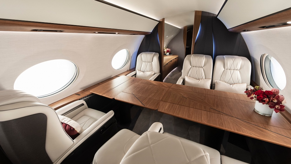 Gulfstream G700 Worked with Light to Improve the Sense of space