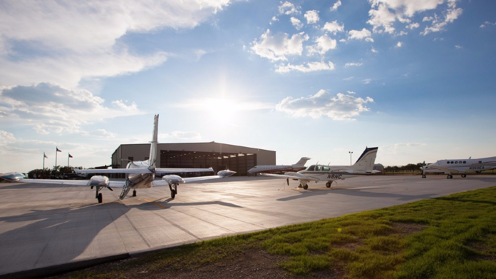 Private Jet Companies Are Partnering with Resorts in the age of Covid-19, Private Texas Airport