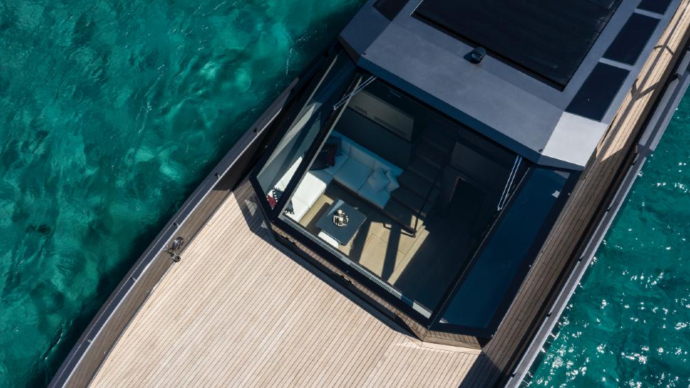 Mazu 82 Yacht with Bulletproof Windshield