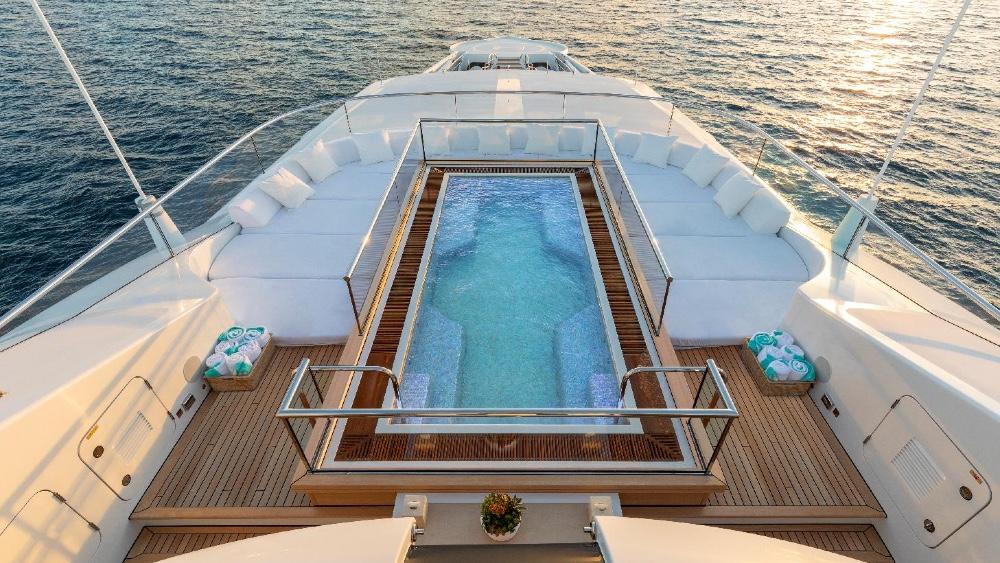 James Bond Yacht Quantum of Solace Pool