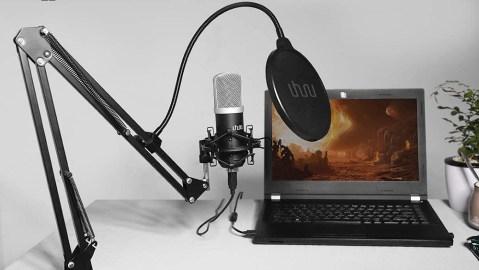 Uhuru podcast microphone