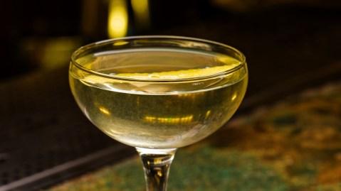 alaska cocktail gin yellow chartreuese