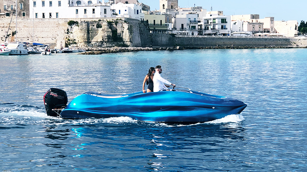 Moi Composites' 3D-printed Mambo Powerboat